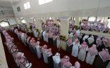 جموع المصلين يؤدون صلاة الميت على شهيد الواجب الأحمري