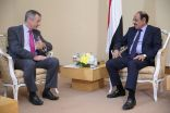 السفير البريطاني وخروقات الحوثي للهدنة