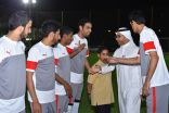 خالد الدبل وعكاش يشاركان الاطفال الايتام في افتتاح البطولة وفالكونز وبوما يحققان اول الانتصارات