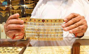 صناعة الذهب بالمنطقة الشرقية .. إرثٌ تتناقله الأجيال