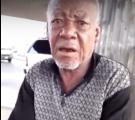 """بالفيديو.. مسن يعيش تحت """"كوبري"""" بجدة.. ولم ير أولاده منذ 4 سنوات"""