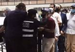"""""""الداخلية الكويتية"""" تستدعي شرطيا اعتدى بالضرب على وافد في مجمع تجاري"""