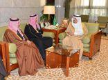 علماء وكبار المسؤولين ومواطنون في ضيافة فيصل بن بندر بقصر الحكم
