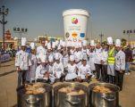 """الإمارات تدخل موسوعة """"غينيس"""" بأكبر كوب شاي ساخن في العالم"""
