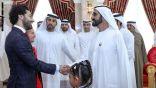الشيخ محمد بن راشد وولي عهده يكرمان محمد صلاح في دبي