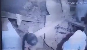 انهيار سقف سجن عمره 150 عاماً على عدد من السجناء في الهند