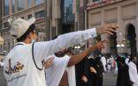 """"""" شباب مكة يرشدون مئات التائهين يومياً في المنطقة المركزية """""""
