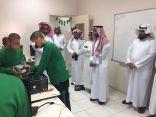 طلاب مدرسة عبدالله بن حذافة يبدعون في حفل (بيدي أصنع مهارة)