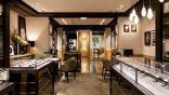 لص يسرق مجوهرات بقيمة 5,5 ملايين يورو ويستبدلها بمزيفة أمام صاحب المتجر