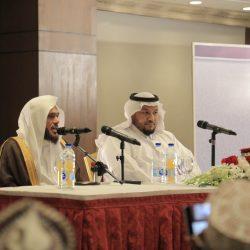 المستشار عبد العزيز فؤاد يحتفي بالمصطافين