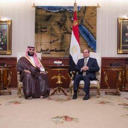 وزير الإعلام يلتقي بالوفد الإعلامي المرافق لزيارة ولي العهد إلى مصر