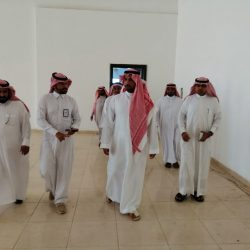 محافظ القرى يوقع عقد شراكة مجتمعية مع فريق الهلال التطوعي بمنطقة الباحة وجمعية القرى الأهلية