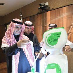 صور ترصد محطات من حياة الأمير الراحل طلال بن عبد العزيز