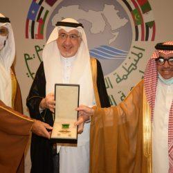 وزير الصناعة والتجارة والسياحة البحريني يزور المنظمة العربية للسياحة