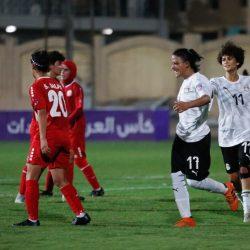 الزمالك يتعادل مع البنك الأهلي إيجابيا ويتسلم درع الدوري المصري الممتاز