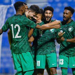 """""""الاحتراف"""" تفشل في حسم ملف سقف عقود اللاعبين السعوديين"""